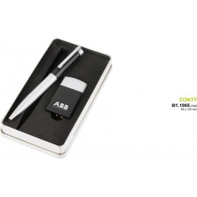 Guľôčkové pero a zapaľovač.