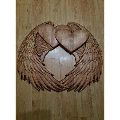Anjelské krídla zo srdiečkami